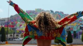 Ella Eyre Gets Catty with Nayha | What's Up TV