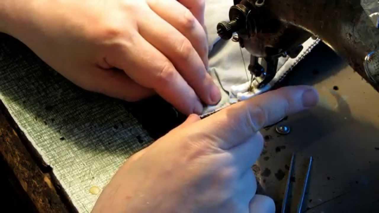 Рейту́зы (нем. Reithose — штаны для езды верхом) — вязаные шерстяные штаны со штрипками, плотно обтягивающие ноги.