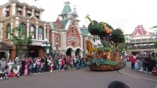 Диснейлэнд, Париж, Франция - Парад(Диснейлэнд, Париж, Франция - Парад Disneyland, Paris, France - Parade Мечтаете начать зарабатывать в интернете? Приглашаю..., 2016-08-31T17:20:47.000Z)