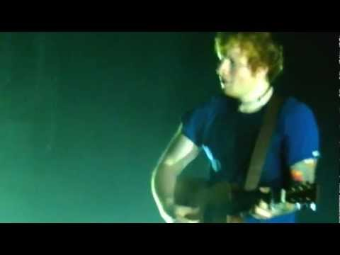 Little Things by Ed Sheeran (live @Paris)