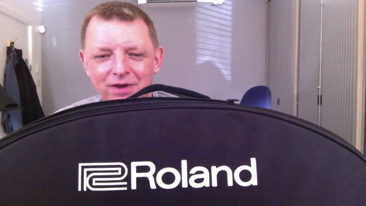Roland Aerophone AE-10. A closer look