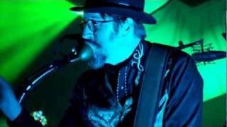 Watch Primus Mr Know It All video