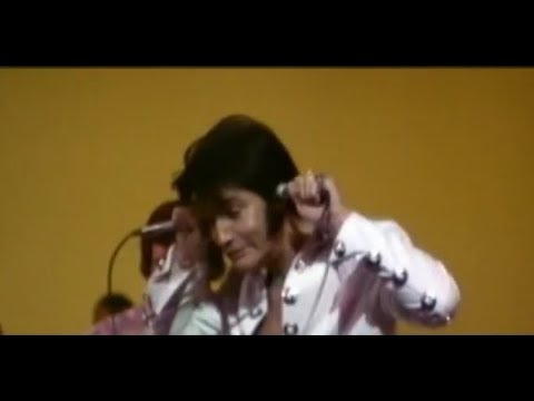 Elvis Presley- Love Me Tender From TTWII (problem With The Microphones:)