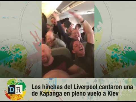 Los hinchas del Liverpool cantaron una  de Kapanga en pleno vuelo a Kiev