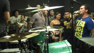 New Found Glory - Dressed To Kill (LIVE! Nash Nardone on drums)