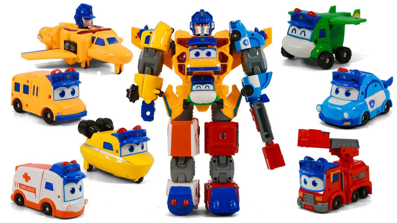 고고버스 고든과 함께 소방대장과 착한경찰이 합체 로봇으로 변신해요