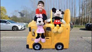Las Ruedas del Autobus con Mickey and Minnie Mouse * Canciones Infantiles en Ingles