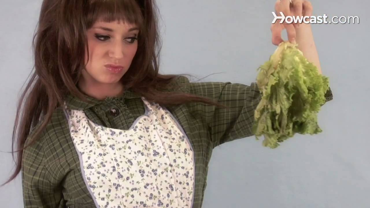Quick Tips: How to Perk Up Wilted Lettuce - YouTube