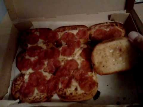 S-A-S Pizza Night #7: Pizza Hut Garlic Bread Pizza & P'zolo
