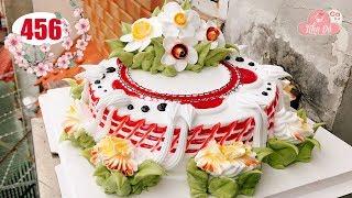 chocolate cake decorating bettercreme (456) Bánh Kem Mứt Đỏ Và Hoa Văn (456)