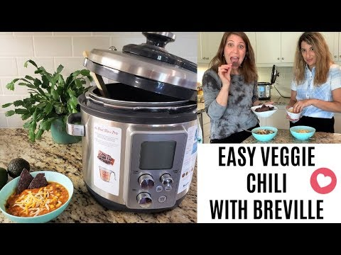 The EASIEST Vegetarian Chili Recipe | Breville Fast Slow Pro Pressure Cooker REVIEW