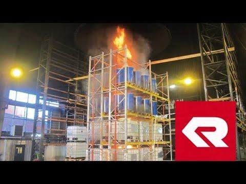 Brandversuch Gefahrgutlager CAFS - Rosenbauer