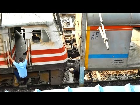 WAP-5 Coupling: Engine connecting to Train - Kanpur Shatabdi & Departure from Delhi