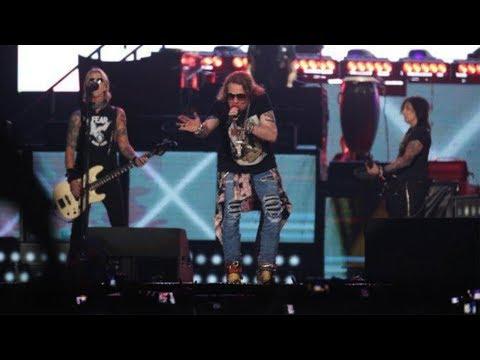 Guns N Roses Gebrak Stadion GBK, Axl Ganti Kostum Sebanyak 7 Kali hingga Lempar Mikrofon ke Penonton Mp3