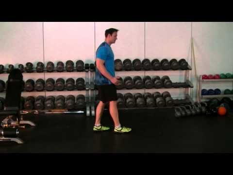 Gym Tip: Forward vs Reverse Lunge