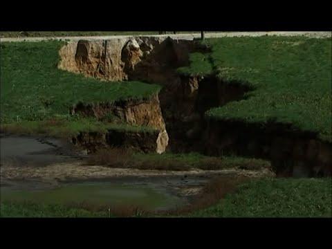 Mammoth Sinkhole Opens Up New Zealand Farm