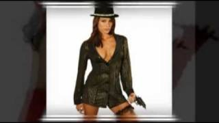10 Super Hot Costumes for Women