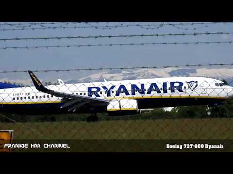 Boeing 737-800 Ryanair full approach with landing gear extension