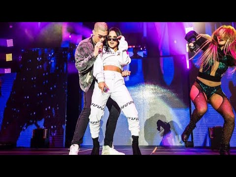 Becky G - Mayores ft. Bad Bunny Live (at The Forum)