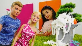 #Barbie ve Ken piknikte YANGIN🔥 çıkıyor. #bebekoyunları Tükrçe izle