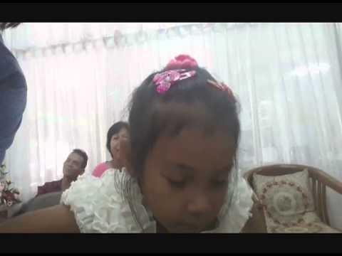 """""""น้องแจน"""" เด็กหญิงอัจฉริยะวัย 7 ปี ทดลองเป็นผู้รายงานข่าวด้วยภาษาไทย-อังกฤษ"""