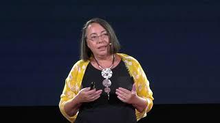 De ce să uiți ceea ce este de neuitat | Anca Mizumschi | TEDxSinaia