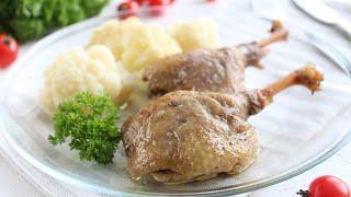 Тушеная утка с яблоками — видео рецепт