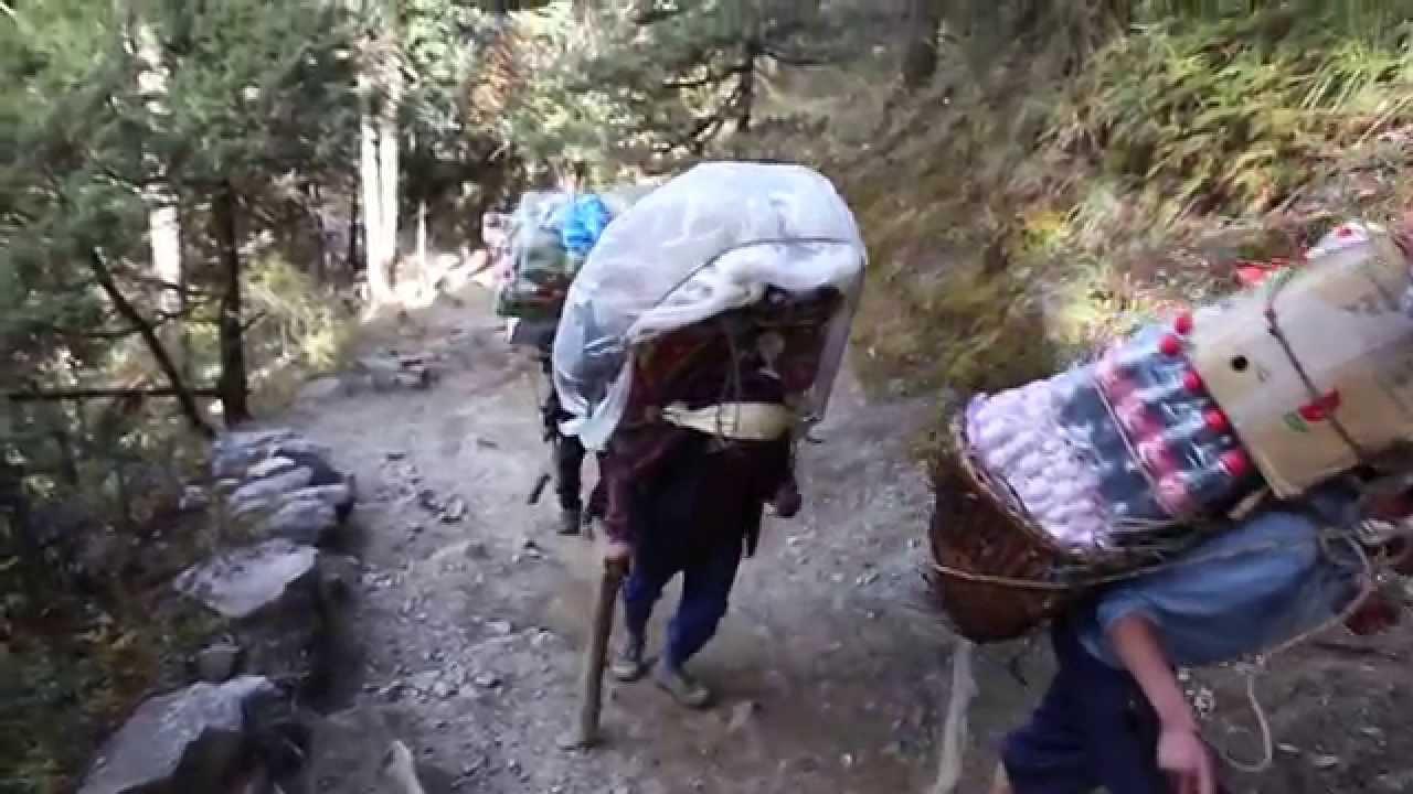 Download Sherpa porters carry heavy loads - EBC trek, Nepal 2014