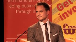 Patrick J. Adams (Suits) gives advice to college freshmen