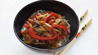 Паста по-китайски со свининой и овощами