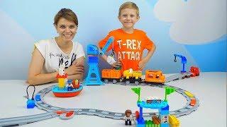ПОЕЗД для Детей и Большая ЖЕЛЕЗНАЯ ДОРОГА LEGO DUPLO с Подъёмным КРАНОМ Видео для Детей For Children