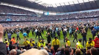 Man City fans appreciating West Ham fans 11/5/2014