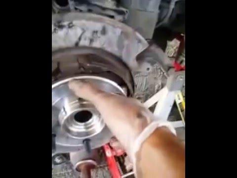 2004 Nissan Armada Rear Hub Assembly Youtube
