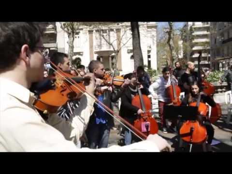 95 años Diario EL PAIS, URUGUAY  Flashmob