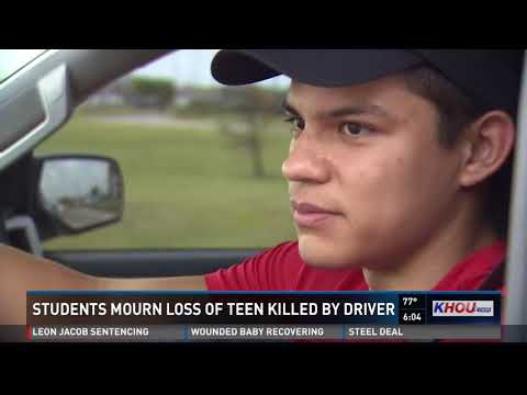 Manvel HS students mourn loss of teen killed in auto-pedestrian accident