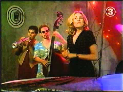 Ally Walker Singing in 'Moon Over Miami'
