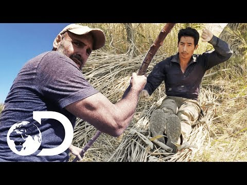 Ed Stafford & Khen Rhee Race Down A River On An Improvised Raft! | Ed Stafford: First Man Out