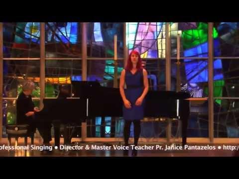 Julia Bard, Coloratura Mezzo-Soprano W.A. Mozart Voi che sapete,  Le Nozze di Figaro