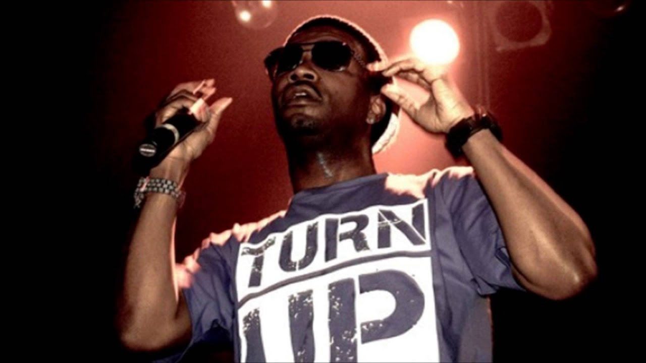 Juicy J - Shootin (feat. Wiz Khalifa) *NEW 2013* - YouTube  Juicy J - Shoot...