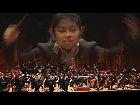 Elim Chan è la prima donna a vincere il concorso per direttori di orchestra di… - musica