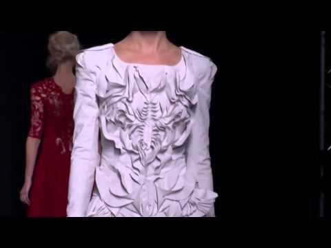 Yiqing Yin   Couture Fall Winter 2012 2013 Full Fashion Show   Exclusive