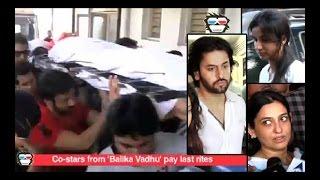 VIDEO: 'Balika Vadhu' cast at Pratyusha Banerjee's Cremation