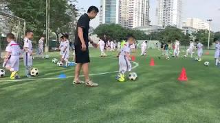 Giờ học tại lớp bóng đá thiếu nhi | Trung tâm Hà Nội football