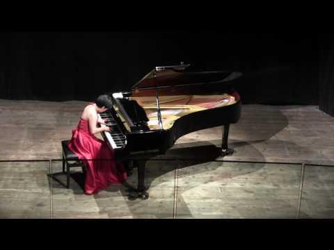 saori haji in Busca (alba music festival)  from Bachianas Brasileiras No.4 by Villa-Lobos