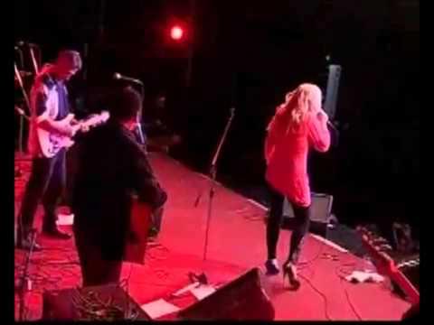 Teenage Queenie (Golden Memories Tour Fiji) - Toni Wille (Feat. the voice of Pussycat)