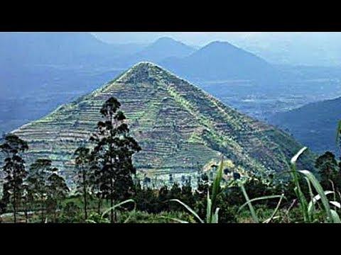 La Plus Vieille Pyramide du Monde se trouve-t-elle en Indonésie? Site Mégalithique de Gunung Padang