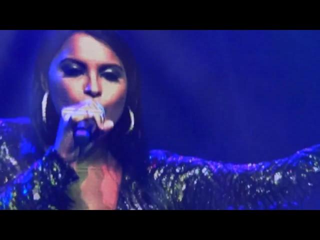 Jennifer Bhagwandin covers Laila Main Laila at Colors Festival