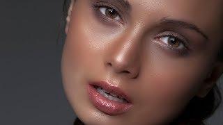 Photoshop Tutorial : Professional Skin Retouching in Photoshop
