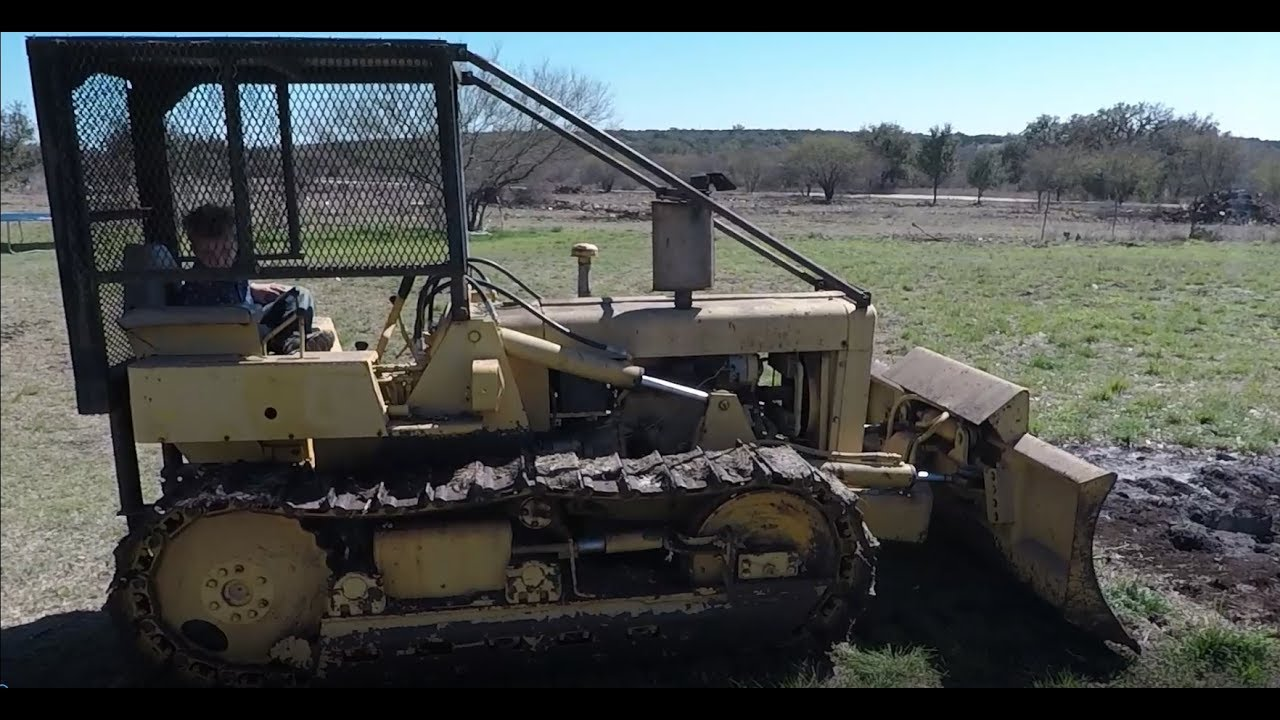 How to operate a 1978 International 500 bull dozer