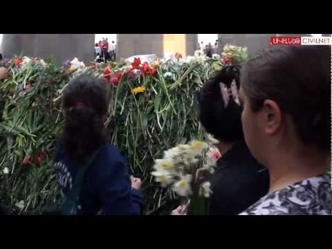 Diasporans In Yerevan Go To The Memorial